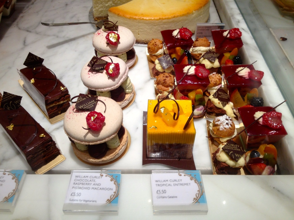 Have you ever seen anything so beautiful in the pastry world?